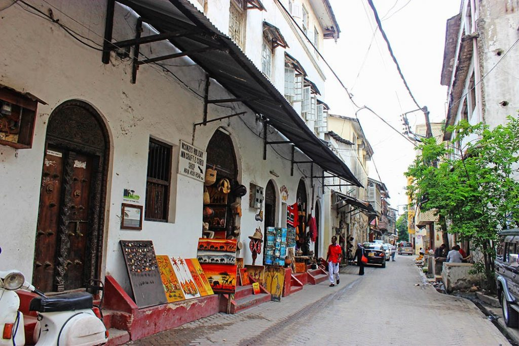 Mombasa-Old-Town_White-House-2